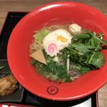 博多鶏ソバ 華味鳥 - 華味鶏水炊き鶏そば1,050円(税込)
