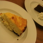 1485504 - ケーキは通常¥500、ハーフカット¥300