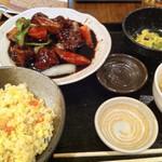 天地あまっち - 黒酢酢豚定食
