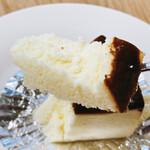 148504758 - マイスターチーズケーキ、リフト!