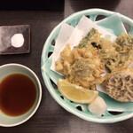 Kandayabusoba - 季節の天ぷら(1,650円税別)