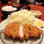 jukuseitonkatsubanikugyuutantantontan - リブロースかつ ランチ定食 170g(税込1,100円)