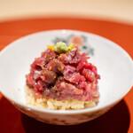 肉屋 雪月花 NAGOYA - 神戸牛のランプ 赤酢のシャリ 山葵、柚子