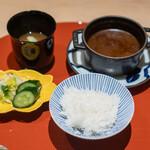 肉屋 雪月花 NAGOYA - 銀の朏 カレー 新じゃがの味噌汁