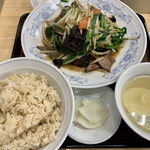 ぎょうざの満洲 - レバニラ炒めセット
