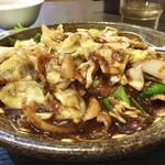 創作中華 好吃 - 料理写真:モリモリな野菜と大量の醬