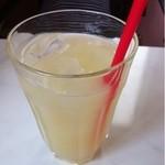 女性が輝くレストランKandy - ランチにつくグレープフルーツジュース