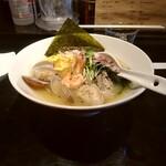 鶏そば・ラーメン Tonari - 限定牡蠣と浅蜊と海老の海鮮塩ラーメン