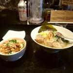 鶏そば・ラーメン Tonari - 限定牡蠣と浅蜊と海老の海鮮塩ラーメン+チャーシュー小丼