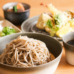 さんぽう西村屋 - 但馬の在来種 赤花蕎麦の天ぷら御膳