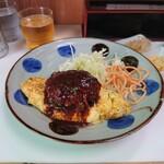 キッチン台栄 - ビーフハンバーグとオムレツのセット、定食だと800円。