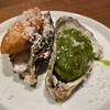Osuteriatorepaxtutsi - 料理写真:生牡蠣 フリットとジェノヴェーゼ