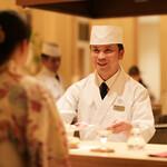 さんぽう西村屋 - 料理人がお客様の目の前で調理致します。