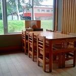 相生物産館 - テーブル席1