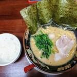 ラーメン神山 - 令和元年11月 濃厚とんこつ醤油ラーメン 680円 ランチタイム ライス無料