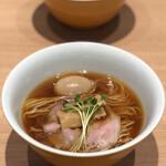 Ramenuxokakicchin - 会津地鶏そば 味玉(1,450円)