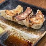 拉麺いさりび&覓茶 - 餃子3個キャンペーンで100円