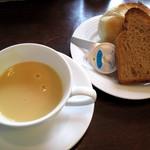 1486437 - セットスープとパン