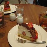 ベリーカフェ - 単品+単品=1500円前後でしょうか