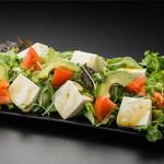 豆腐とアボガドのサラダ