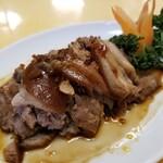 長城飯店 - 豚スネ肉の冷菜。