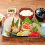 北海道はでっかい道 オホーツクの恵み 湧別町 - 北海鮮魚5種の刺し身定食