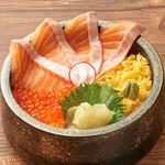 北海道はでっかい道 オホーツクの恵み 湧別町 - サーモンとイクラ丼