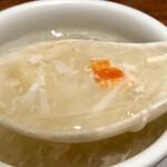 北京烤鴨店 - カニ肉入りフカヒレスープ