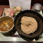 つけ麺 繁田 - 料理写真:特製つけ麺♪