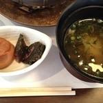いばらき食彩香寿亭 - 香の物と味噌汁