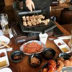 韓サラン - 作ってもらうサムギョプサル