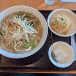 148653679 - 湯麺セット¥800