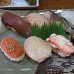 たか鮨 - ランチ握り寿司700円