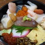 たか鮨 - ランチ生ちらし700円