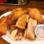下北グレイヴィ餃子 - 鶏の半身揚げ