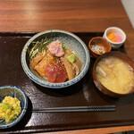 148701090 - 漁師めし(海鮮づけ丼)
