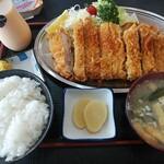 ニューフライパン - 料理写真:とんかつ定食950円