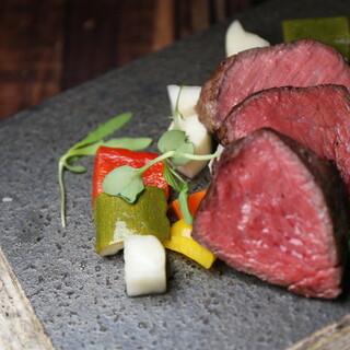 和牛丸芯の<炭>焼き肉塊