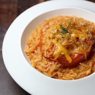 米粒型のショートパスタをリゾット感覚で食す西洋スタイル