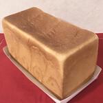 148721028 - 角食パン