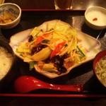 香港ダイニング 九龍 - 肉野菜炒め定食980