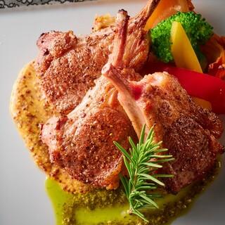 最高の調理法で作り上げた厳選されたお肉料理をお楽しみください