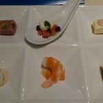 Glass Court - 2021ディナーブッフェ 前菜