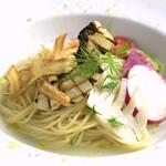 白身魚・ディル・根菜のオイルリングイネ