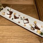渋谷ハイボールバー - * ウィスキー香る生チョコレート「RICH RENGA」 693円