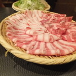 金蔵銀蔵 - 三元豚の豚バラと肩ロース