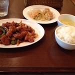 ハナハナ - Bランチ800円 鶏味噌炒めセット