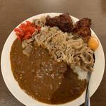 Komizu - 甘辛牛すきカレー(100辛)+生たまご+唐揚げ2個《準備完了》