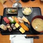 健康寿司海鮮家 - 平日ランチA 800円