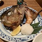 恵比寿魚金 - カンパチかま塩焼き 860円